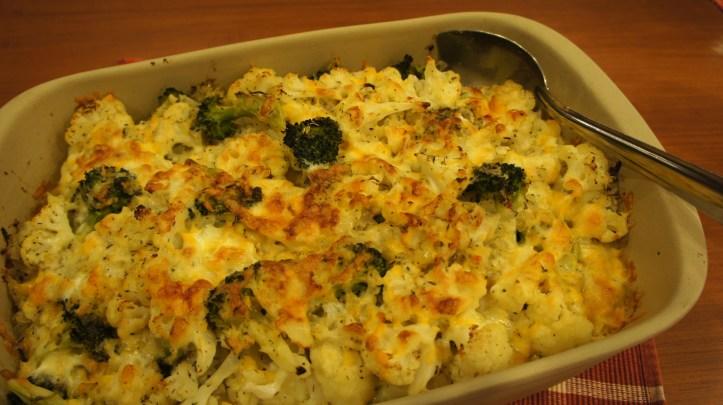 [Cheesy Cauliflower Broccoli Bake]