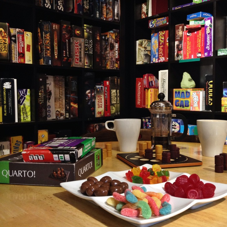 Boardgames and treats at Monopolatte.